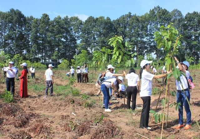 Hoạt động trồng cây xanh trong khuôn khổ chương trình
