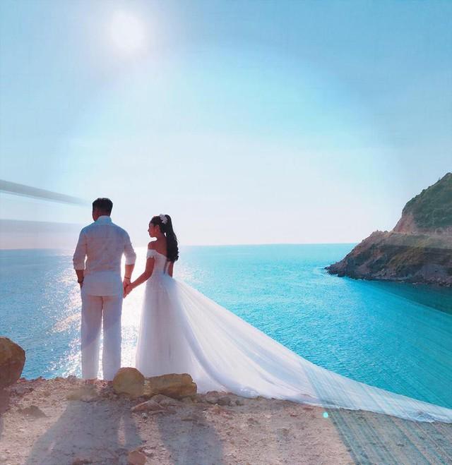 Ảnh cưới của Hoa hậu Đại dương Đặng Thu Thảo và ông xã tương lai.