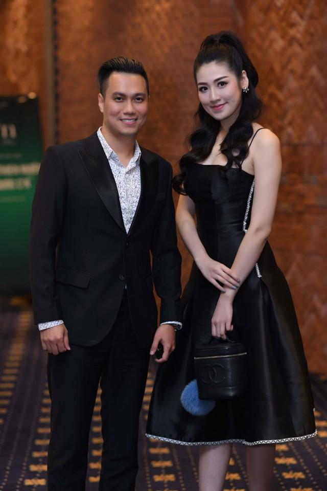 Tú Anh thân thiết với nam diễn viên Việt Anh
