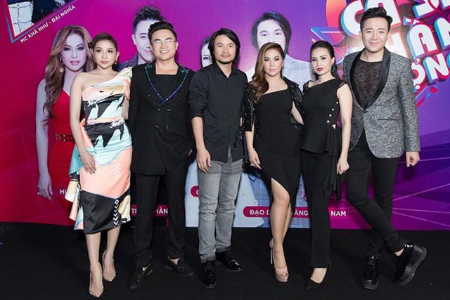 Dàn giám khảo Ca sĩ thần tượng và 2 MC Đại Nghĩa - Khả Như.