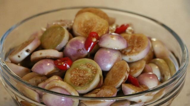 Cà muối - món ăn quen thuộc tiềm ẩn gây ung thư dạ dày.