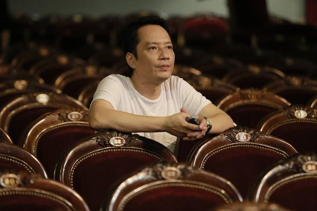 Nhạc sĩ Anh Quân tại khán phòng Nhà hát Lớn Hà Nội.