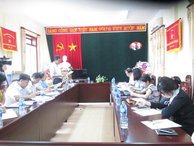 Đoàn công tác làm việc tại Lai Châu. Ảnh: NT