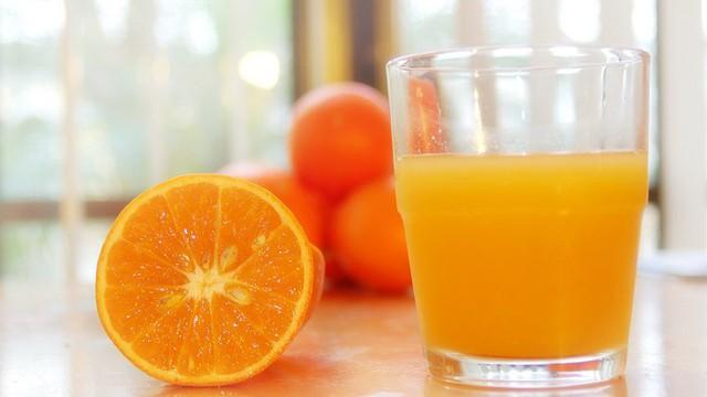 Hướng dẫn uống nước cam dễ hấp thụ nhất. Nhiều người không biết.