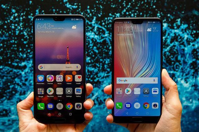 Bên cạnh nhiều cải tiến đáng chú ý, Huawei P20 và P20 Pro có một điểm chung rất dễ nhận thấy đó là cái tai thỏ.