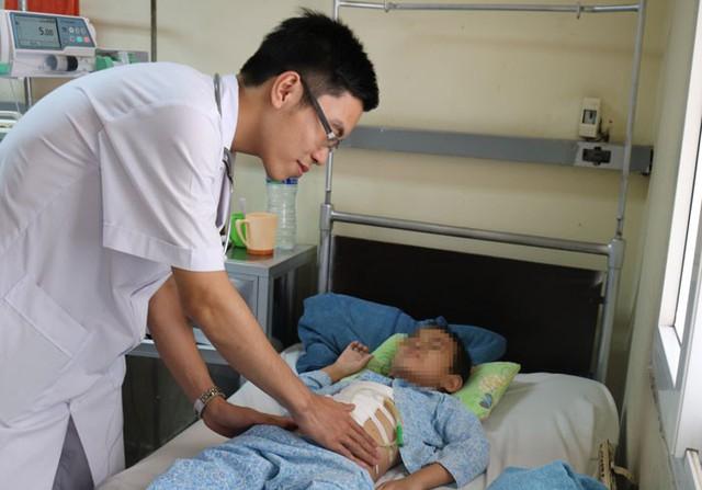 Sau khi tiến hành phẫu thuật, cháu C. đã thoát khỏi cơn nguy kịch. Ảnh: Bệnh viện cung cấp