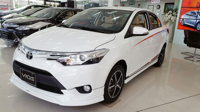Mẫu xe ăn khách của Toyota được giảm giá tới 40 triệu đồng.