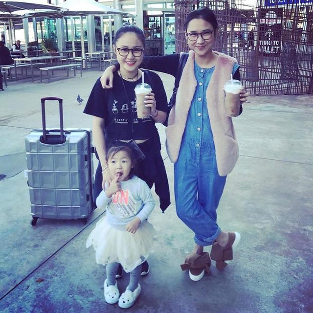 Thiện Thanh và chị gái Thanh Vân.