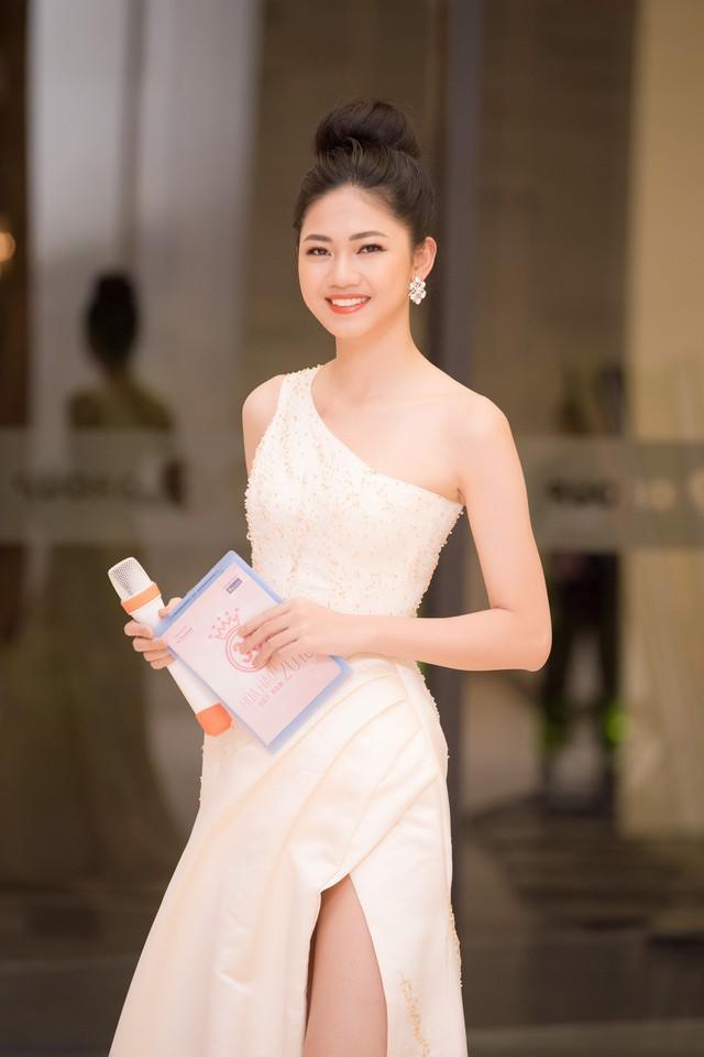 Á hậu Ngô Thanh Thanh Tú