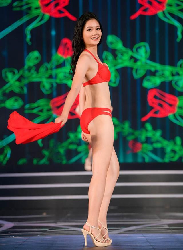 Hà Lương Bảo Hằng sinh năm 1997, cao 1m68, số đo 75-66-92 (cm)