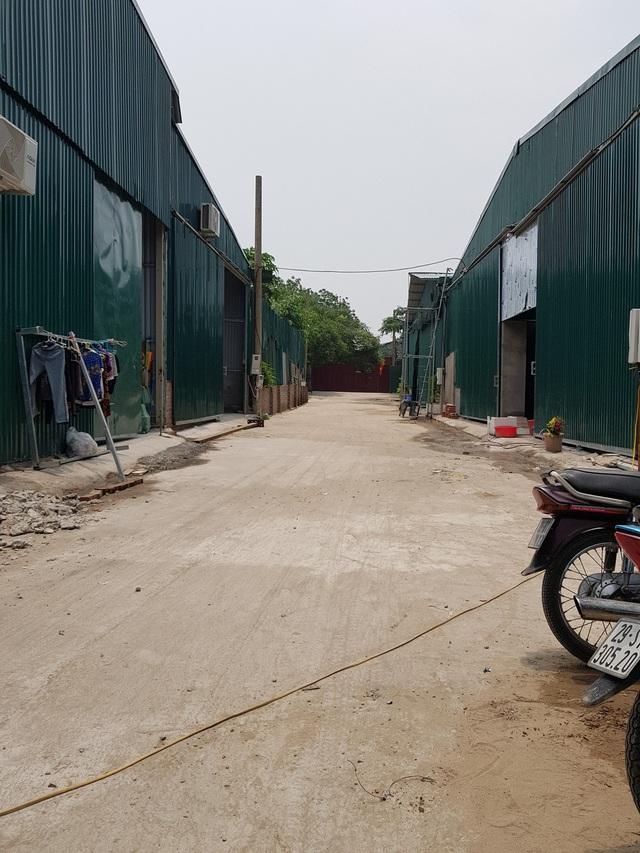 Nhà xưởng được Công ty Xuân Cầu dựng lên san sát cắt ra cho thuê trái phép.