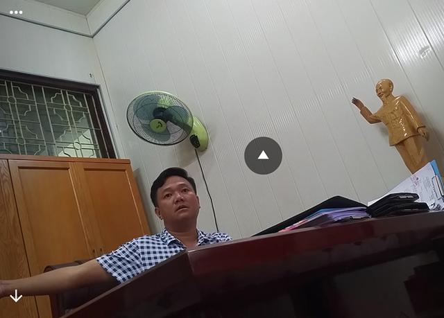 Ông Nguyễn Công Huy - Giám đốc BQLDA đầu tư xây dựng TP. Hạ Long. (ảnh cắt từ clip)