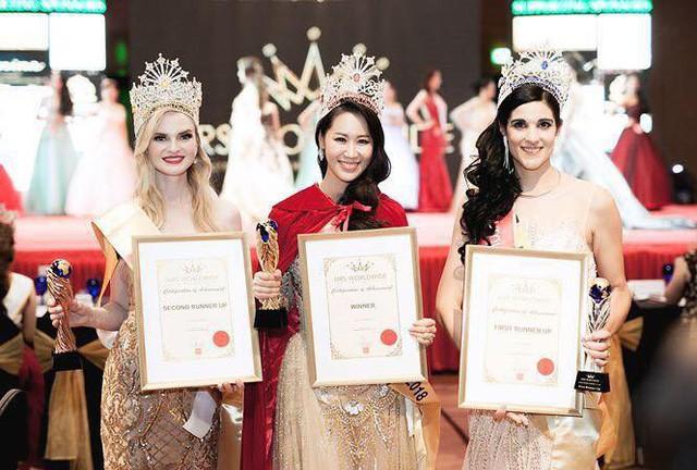 Dương Thuỳ Linh được xướng tên vào ngôi vị cao nhất của cuộc thi Mrs Worldwide 2018