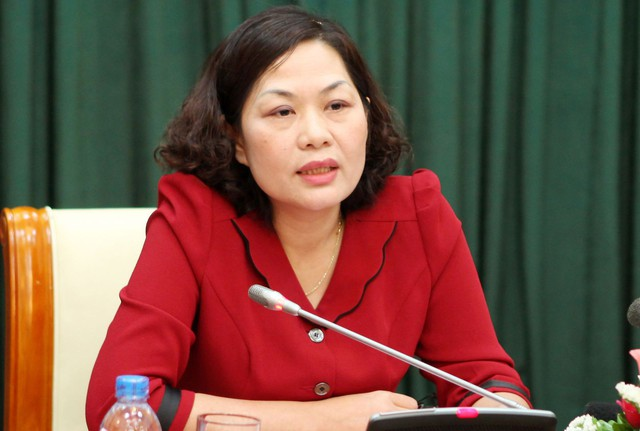Bà Nguyễn Thị Hồng, Phó Thống đốc NHNN khuyến cáo khi phát hiện dấu hiệu bất thường chủ thẻ cần báo ngay cho TCTD và các cơ quan chức năng để kịp thời ngăn chặn việc lạm dụng chiếm đoạt tài sản.     Ảnh: M.N