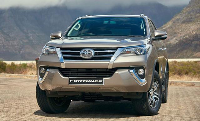 Toyota Fortuner 2018 bất ngờ tăng giá.