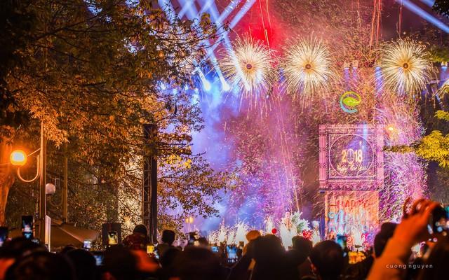 Màn trình diễn pháo sáng tuyệt đẹp đón năm mới