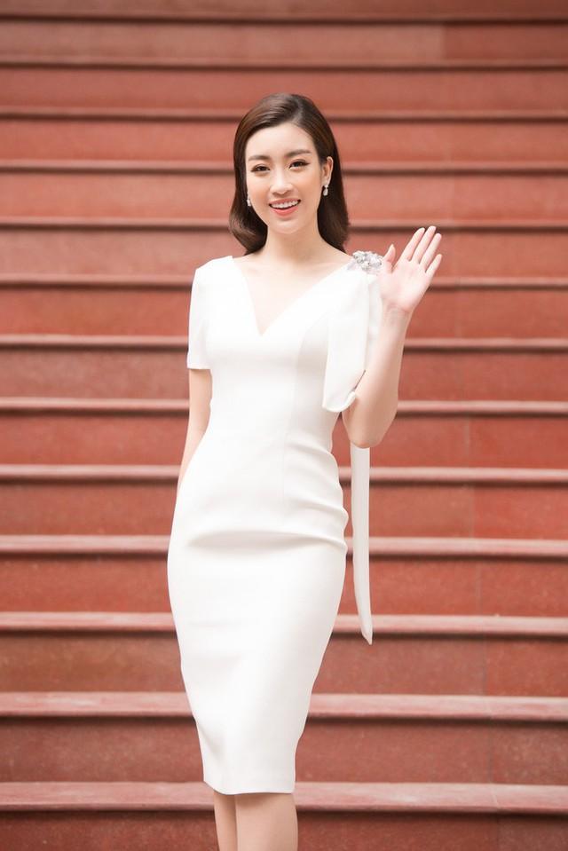 Hoa hậu Đỗ Mỹ Linh có mặt từ sớm cho vòng sơ khảo khu vực phía Bắc