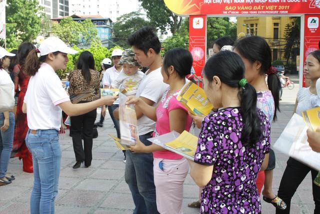 Tuyên truyền công tác dân số và SKSS ở Thủ đô.