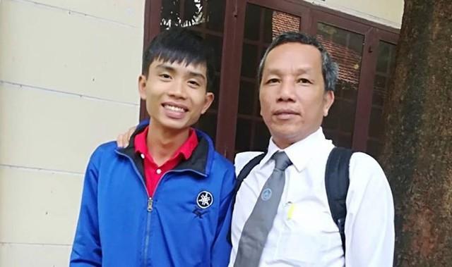 Đặng Thanh Tuấn cùng luật sư đồng hành qua các phiên xử