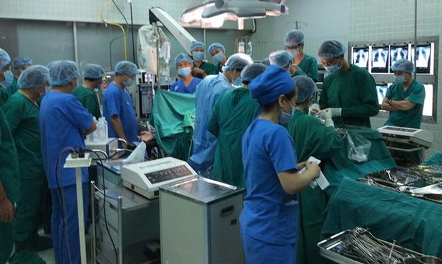 Một ca ghép tạng tại Bệnh viện Chợ Rẫy. ẢNH: BVCC