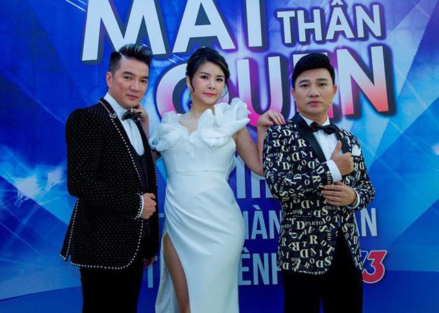 Kim Oanh cùng Đàm Vĩnh Hưng, Quang Linh trong Gương mặt thân quen 2018.