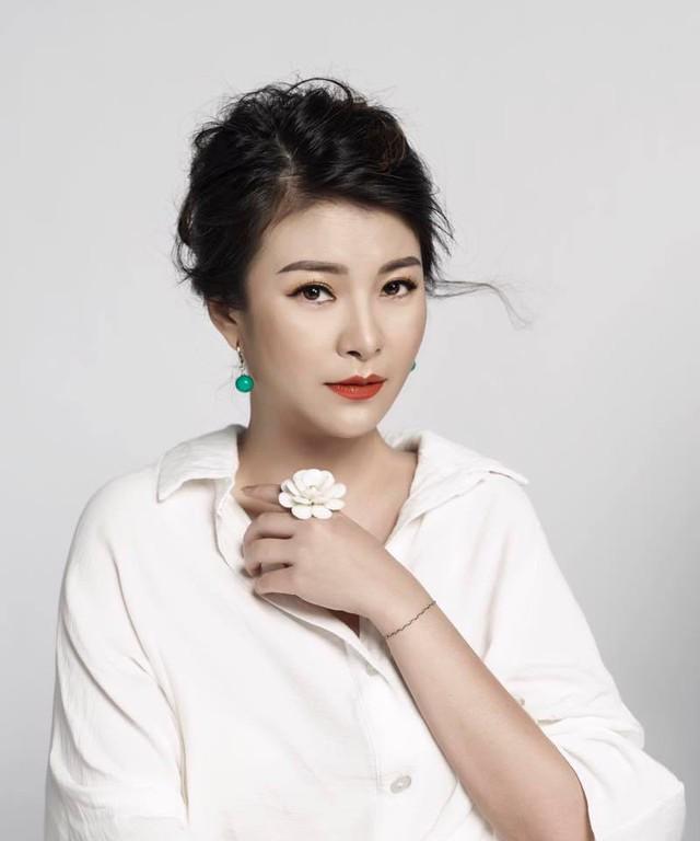 Kim Oanh cho biết, giám khảo Gương mặt thân quen không bị tác động bởi nhà sản xuất.