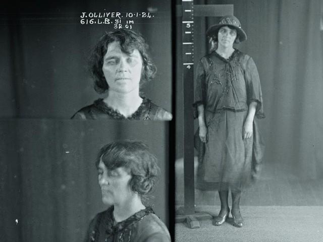 Jean lãnh 12 tháng tù vì tội đồng lõa giết người.