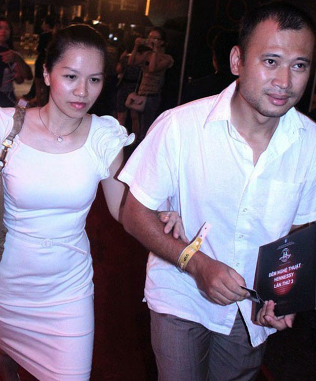 Một trong những lần hiếm hoi Long Vũ và vợ tham gia sự kiện.