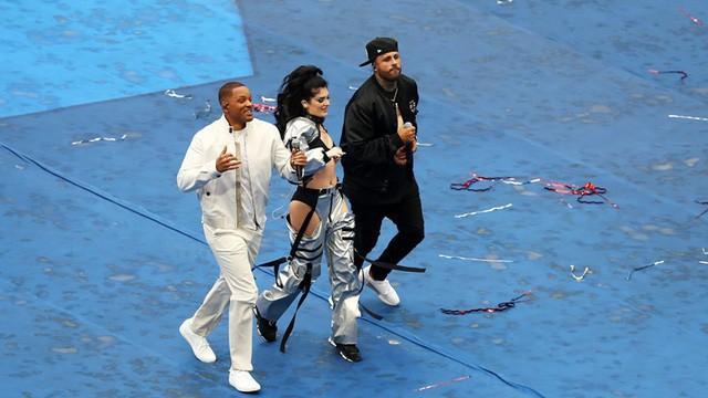 Era Istrefi, Will Smith và Nicky Jam biểu diễn ca nhạc trong lễ bế mạc World Cup 2018