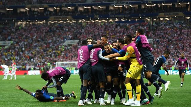 Tiếng còi kết thúc trận đấu vang lên và Pháp chính thức vô địch World Cup 2018