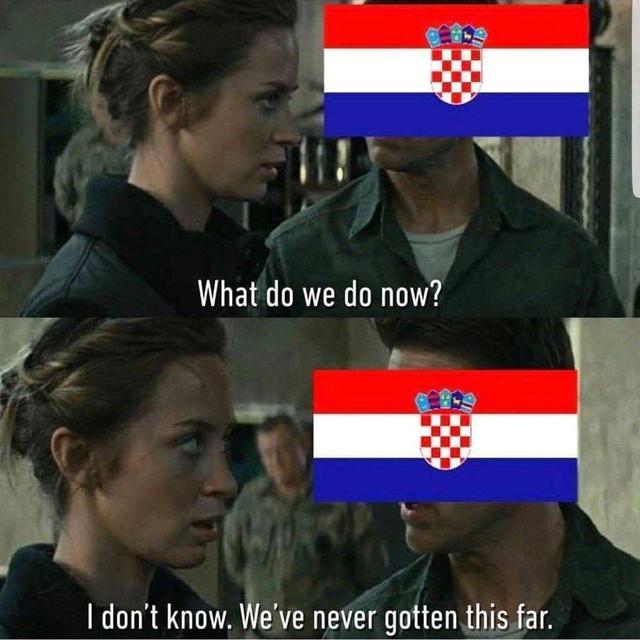Trước giờ ra sân, dân mạng cho rằng Croatia vẫn còn khá bỡ ngỡ khi phải gặp đối thủ trẻ khỏe và có đội hình đồng đều là Pháp tại trận đấu tranh cúp vàng World Cup 2018 . Ảnh: Troll Football.