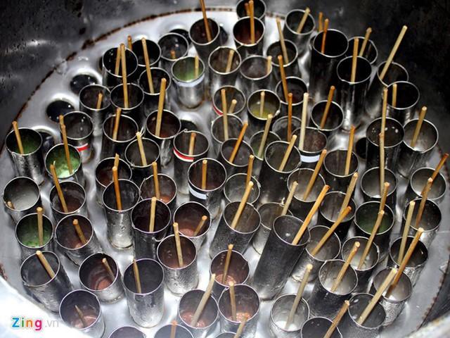 Món kem ống được du khách và người dân địa phương rất yêu thích. Ảnh: Nguyễn Vân Ngọc.