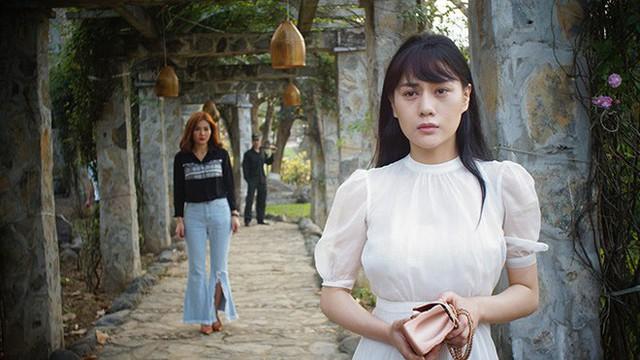 Phương Oanh là gương mặt quen thuộc với khán giả truyền hình.