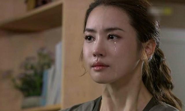 Bây giờ Giang chỉ mong được dọn ra ở riêng, cô mệt mỏi với cuộc sống chung đụng với bố mẹ chồng như thế này lắm rồi. (Ảnh minh họa)