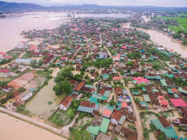 Sau bão số 3, một số địa bàn huyện Yên Thành (Nghệ An) bị nước cô lập. Ảnh:TL