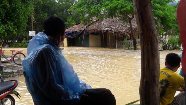 Tình trạng ngập úng tại địa bàn huyện Yên Thành (Nghệ An).