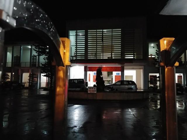 Ảnh bên trong Sở GD&ĐT Sơn La trong đêm 20/7.