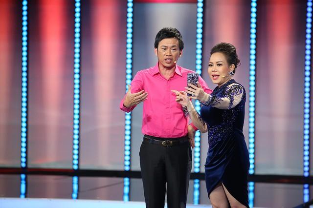Việt Hương - Hoài Linh.
