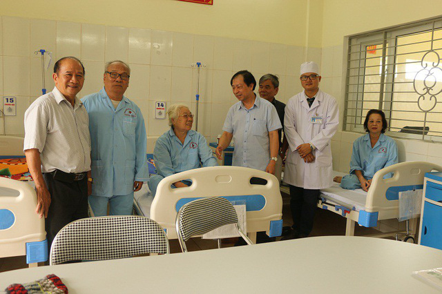 Các bệnh nhân đang điều trị tại Khoa Lão khoa, Bệnh viện Nội tiết