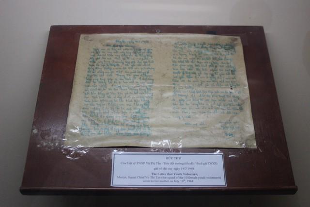 Kỷ vật là bức thư của tiểu đội trưởng Võ Thị Tần gửi gia đình 5 ngày trước lúc hy sinh.