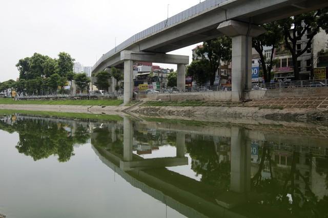 Chất lượng nước sông bị ô nhiễm nghiêm trọng do mỗi ngày có khoảng 150.000 m³ nước thải sinh hoạt và nước thải công nghiệp chưa qua xử lý xả trực tiếp xuống sông.