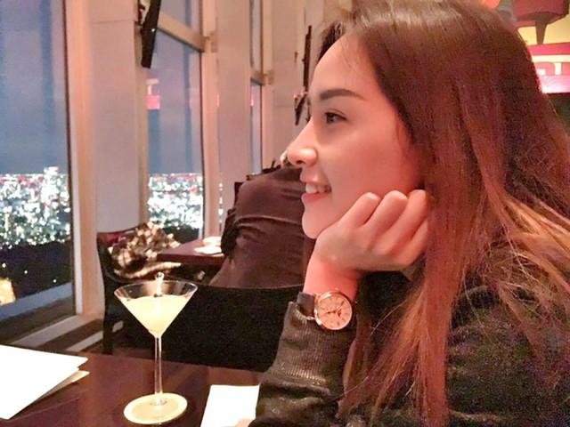 Hoa hậu Mai Phương Thúy với chiếc Patek Philippe 5159R.