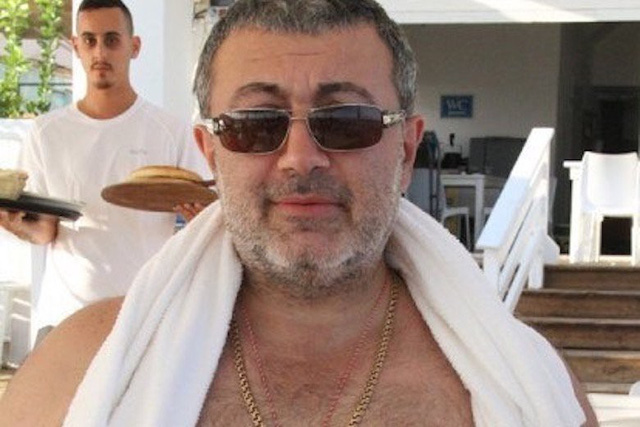 Bố già Khachaturyan.