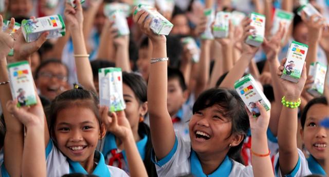 Trong suốt 10 năm qua, Quỹ sữa Vươn cao Việt Nam đã trao tặng hàng triệu ly sữa và đem nhiều niềm vui đến cho các trẻ em có hoàn cảnh khó khăn trên cả nước.