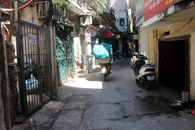 Các xe chở đá viên có mặt ở khắp ngóc ngách phố phường