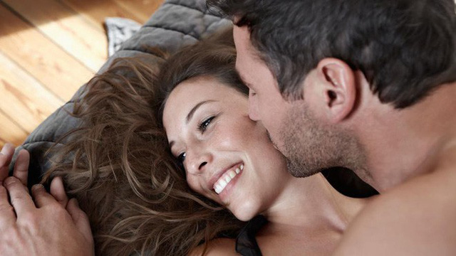 Một số người đàn ông thừa nhận đôi khi họ vẫn giả vờ là đạt được cao trào trong chuyện vợ chồng.