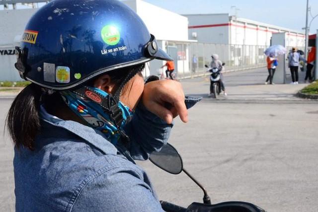Nhiều công nhân trả lời báo chí bị bảo vệ công ty hành hung và xịt hơi cay vào mặt