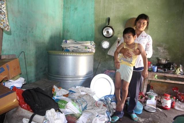 Ước muốn lớn nhất lúc này của gia đình là có được chiếc xe lăn giúp cháu Dương đi lại thuận lợi hay có một trung tâm bảo trợ nhận nuôi