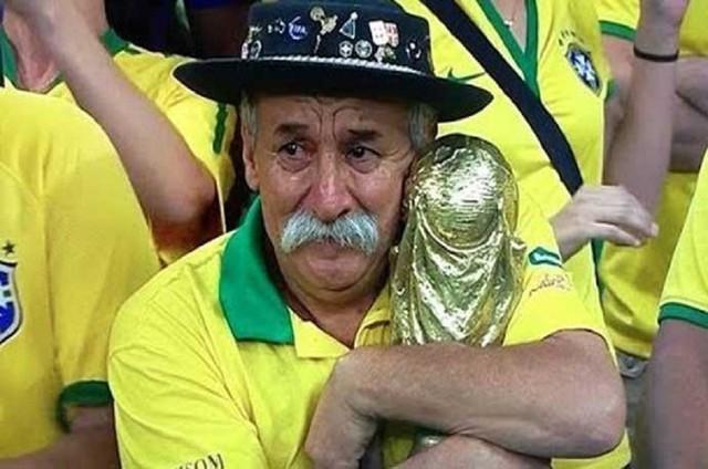 Hình ảnh gây cảm xúc mạnh mẽ nhất của ông Clovis chính là những giọt nước mắt tại bán kết, khi đội tuyển Brazil thất bại thảm hại trong trận bán kết với tỷ số 7-1 trước đội tuyển Đức.