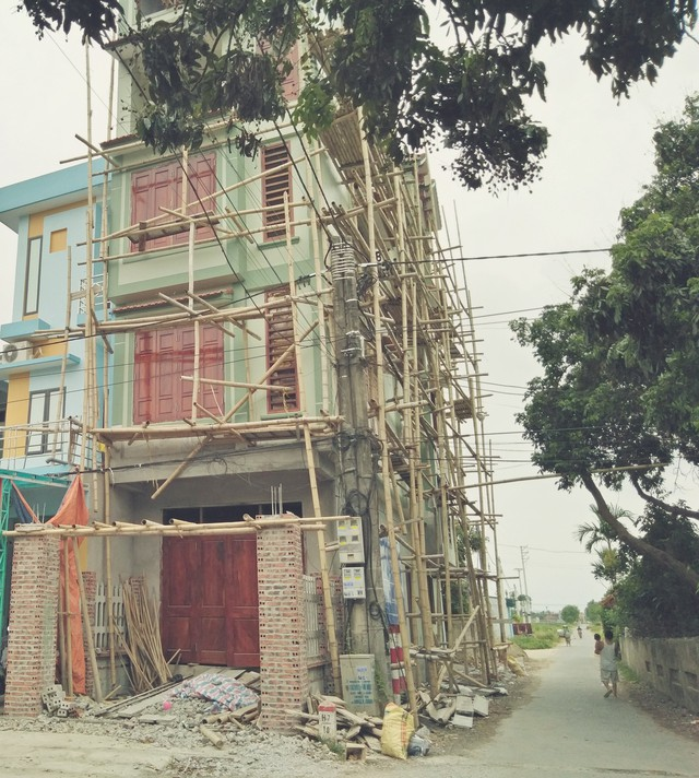 Sau khi vụ nổ xảy ra ngôi nhà luôn trong tình trạng đóng cửa, gia đình anh Cường đã chuyển đi chỗ khác